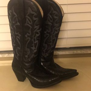 Lane mid calf leather cowboy boot.  Size 7
